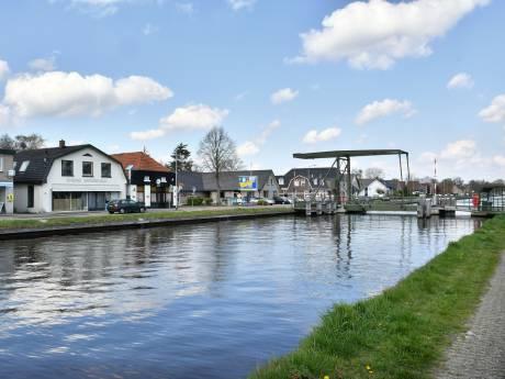 'Trillingen langs kanaal Almelo - De Haandrik gevolg van ramen lappen en hagelbuien'