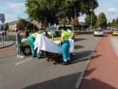 Bestuurster ziet dame op fiets over het hoofd en botst tegen haar op kruising in Eindhoven