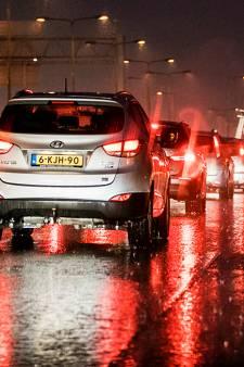 Uur in de file door meerdere ongelukken op A12 tussen Gouda en Utrecht