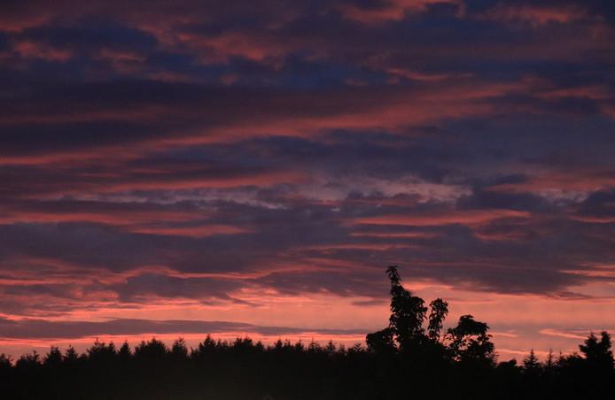 Zonsondergang boven Ommen