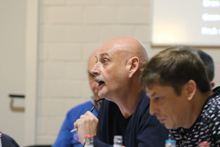 Franky Bryon (In Samen Spraak)  vroeg de verdaging van de kennisname van de doelstellingennota.