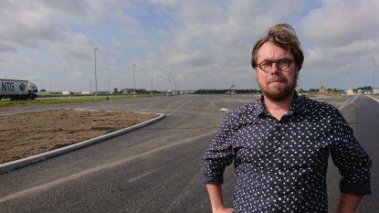 """Velle (CD&V) reageert op uithaal  Dumarey (Open Vld): """"Er was gewoonweg geen dossier rond parking Westkerke om over te dragen"""""""