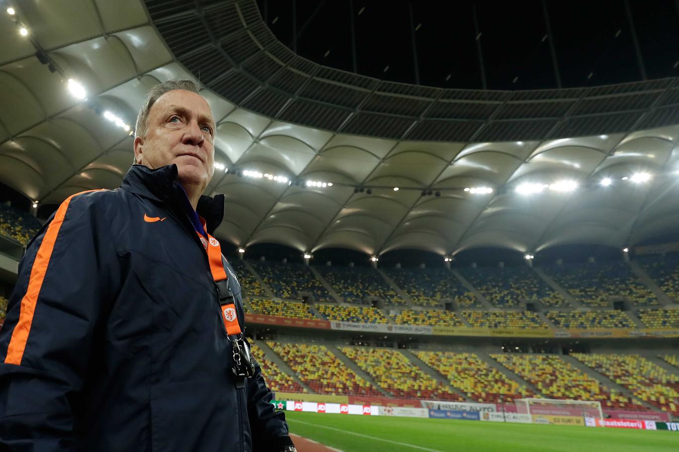 Bondscoach Dick Advocaat tijdens de training van het Nederlands elftal.