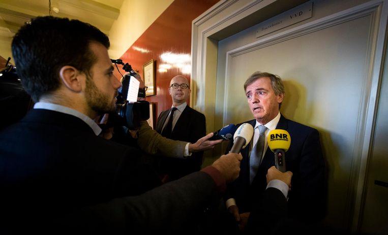 Hermans komt aan op het Binnenhof nadat zijn vertrek uit de Eerste Kamer is aangekondigd, 3 november 2015. Beeld anp