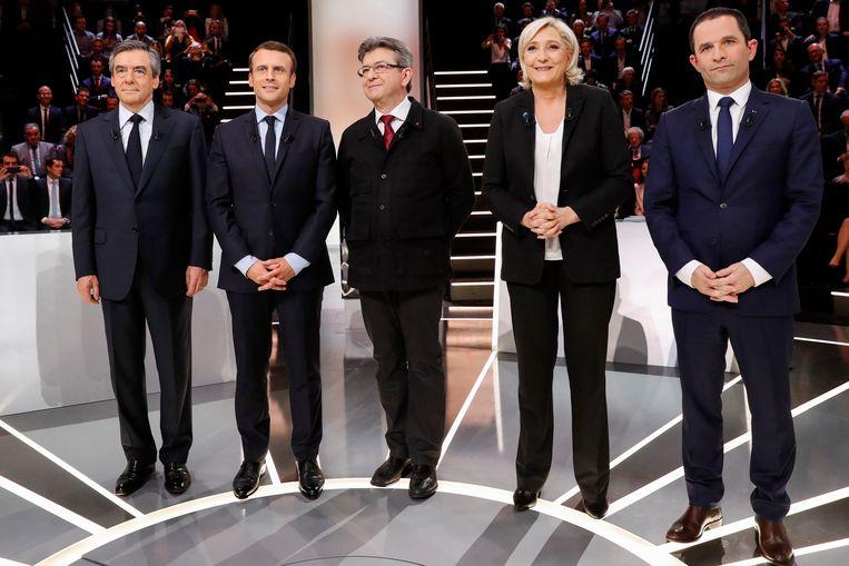 De kandidaten tijdens een debat voor de Franse presidentsverkiezingen in 2017. Van links naar rechts: François Fillon, Emmanuel Macron, Jean-Luc Mélenchon, Marine Le Pen en Benoît Hamon.