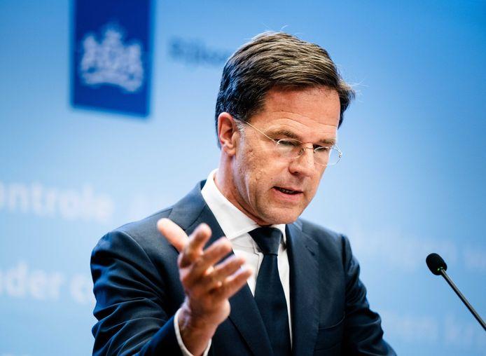 Premier Mark Rutte tijdens de persconferentie.