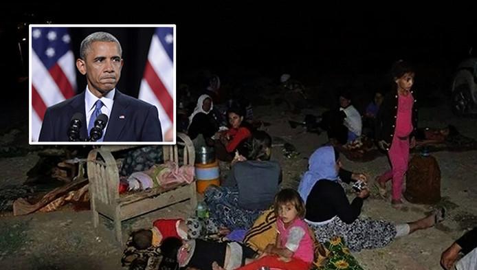 Mensen uit Sinjar sloegen op de vlucht nadat IS hun stad belegerde. Op deze foto rusten mensen uit tijdens hun vlucht naar semi-autonome Koerdische gebieden. Inzetje: Barack Obama.