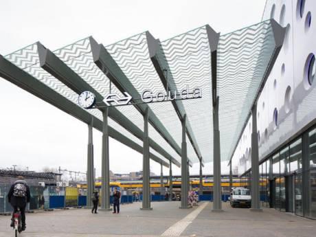 Meer ruimte voor wachtende treinreiziger in Gouda