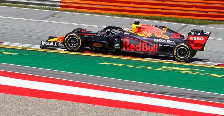 Max Verstappen in zijn auto tijdens de wedstrijd. Beeld AP