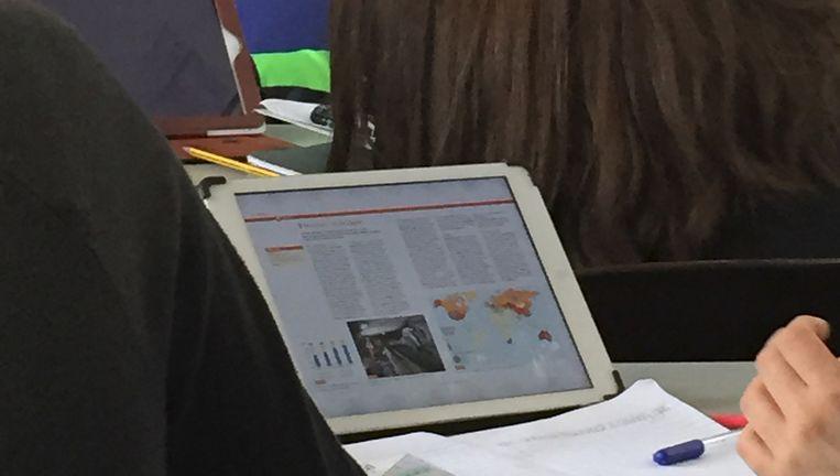 iPads in de klas: standaard op het Erasmiaans Gymnasium. Beeld