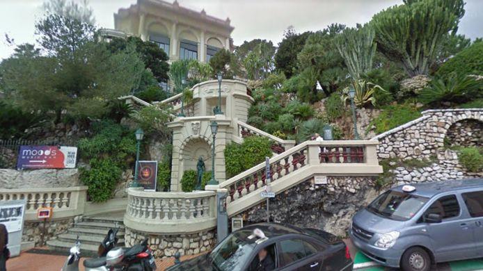 De plek bij het Sun Casino waar het bizarre ongeluk in Monaco gebeurde.