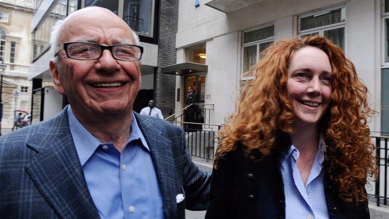 Rebekah Brooks (rechts) met haar voormalige baas Rupert Murdoch Beeld epa