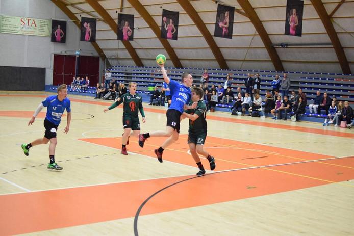 Handballer Aron Groenendijk hier op archieffoto.