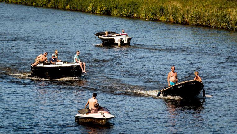 Bootjes in de omgeving van Alkmaar tijdens een zonnige Hemelvaartsdag. Beeld anp