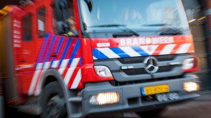 Brandweerwagen vat vuur tijdens missie in Florennes