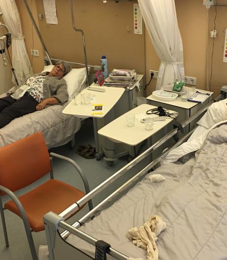 Helma (65) en Robertus (70) belanden per toeval tegelijk in het ziekenhuis