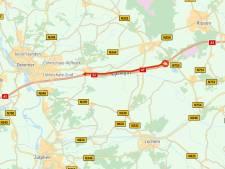 File van elf kilometer ter hoogte van Deventer door kapotte vrachtauto opgelost