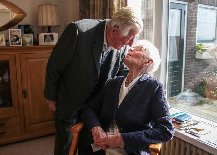 Echtpaar de Vriend uit Baarland 70 jaar getrouwd.