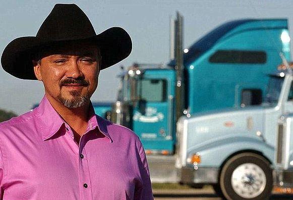 Bill Hall stond aan het hoofd van een truckbedrijf.