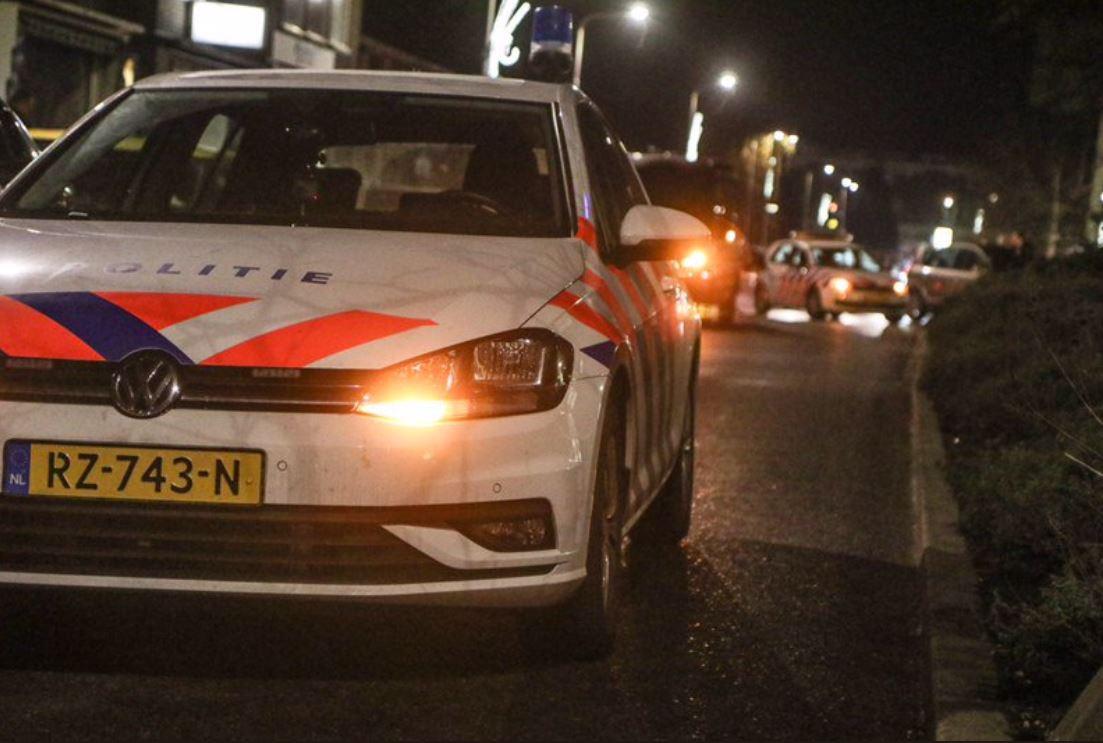 Bij twee horecazaken in Sliedrecht voert de politie op donderdagavond 13 december een controle uit. Samen met belastingdienst, de gemeente, douane en voedsel- en warenautoriteit.