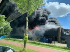 Enorme brand in Berkel en Rodenrijs: vijf mensen gewond