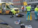 Motorrijder zwaargewond na val Neherkade Den Haag