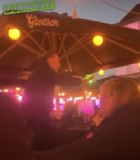 Video van messenzwaaier op terras in Hengelo blijkt politie-oefening