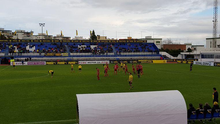 Zulte Waregem op voorsprong tegen Dortmund.