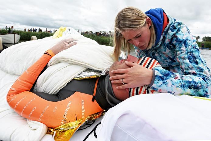 Maarten van der Weijden moest in 2018 op doktersadvies stoppen met zijn Elfstedenzwemtocht.