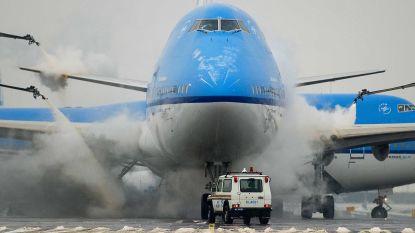 KLM verwacht hinder door sneeuwval: vluchten van en naar Amsterdam kunnen morgen uitvallen