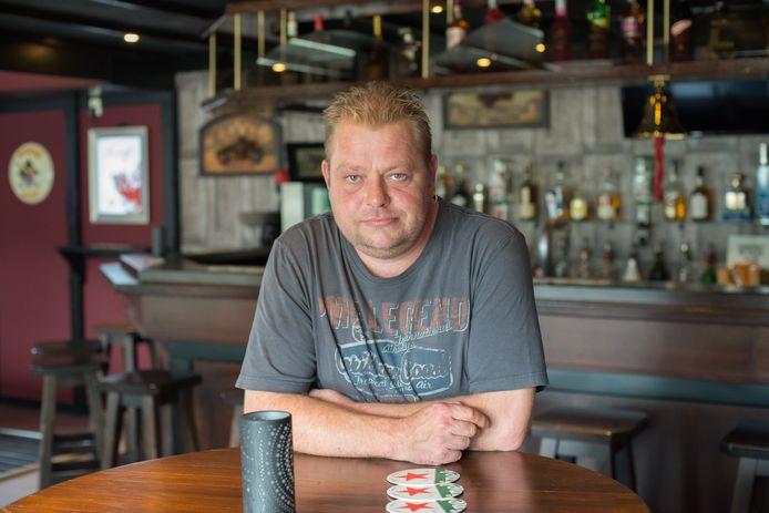 Kroegbaas Han van Boven van Café De Passage.