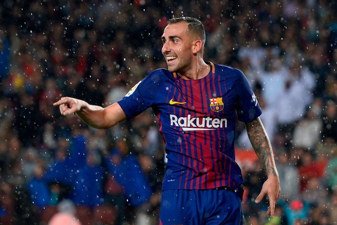 (FILES) In this file photo taken on November 4, 2017 Barcelona's Spanish forward Paco Alcacer celebrates after scoring a goal during the Spanish league football match FC Barcelona vs Sevilla FC at the Camp Nou stadium in Barcelona. - Alcacer will go out on loan to German Bundesliga side Borussia Dortmund, the club announced on August 28, 2018. (Photo by Josep LAGO / AFP)