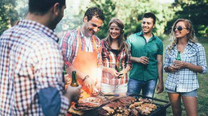 Dit weekend wordt het 25°: zo maak je het BBQ-rooster makkelijk weer proper