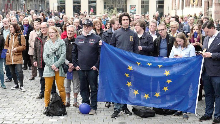 Demonstratie van de pro-EU beweging Pulse of Europe in Leipzig, 2 april. Beeld afp