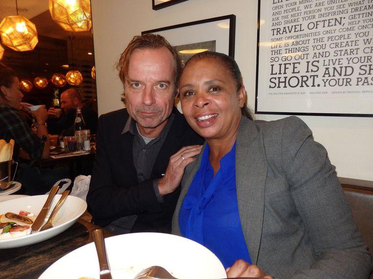 De afsluitende lunch in de brasserie. Met Maarten Borst (L'Officiel Hommes) en Frances Fernandes Mendes (Winq) Beeld Schuim