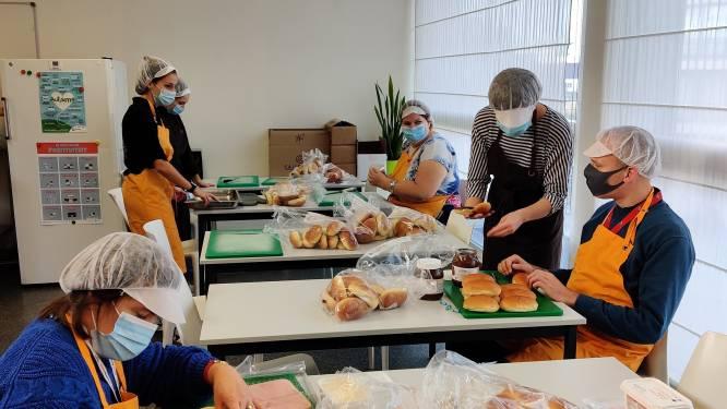 """Stad trakteert jongeren op 'Dag van de jeugdbeweging' op gratis lunchpakket: """"Bedankingsmoment uitgesteld door corona"""""""