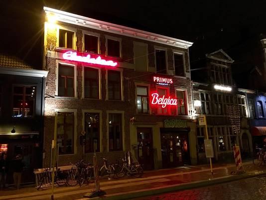 Charlatan, het café dat Felix van Groeningens vader opstartte in 1988 en waarop de film 'Belgica' is geïnspireerd, heet tijdelijk 'Belgica'.