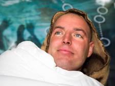 Radio 2-dj Jan Willem-Roodbeen zwemt stukje met Van der Weijden mee