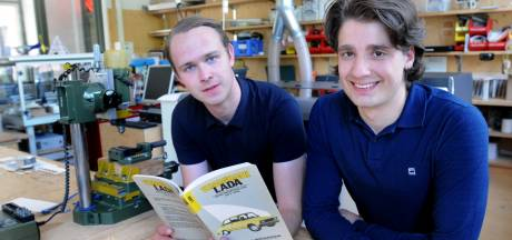 Bommelerwaardse studenten rijden met oude Lada van Moskou naar Delft