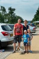 Jeroen Janssen met vrouw José en hun zonen Styn en Devy.
