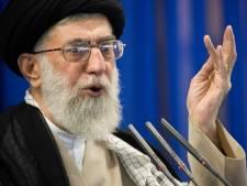 Khamenei soutient la décision d'augmenter les prix de l'essence