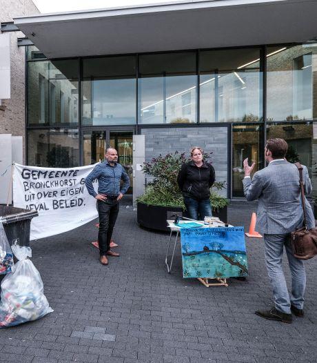 'Schandalige verhoging' van afvalrekening gaat door, ondanks protest