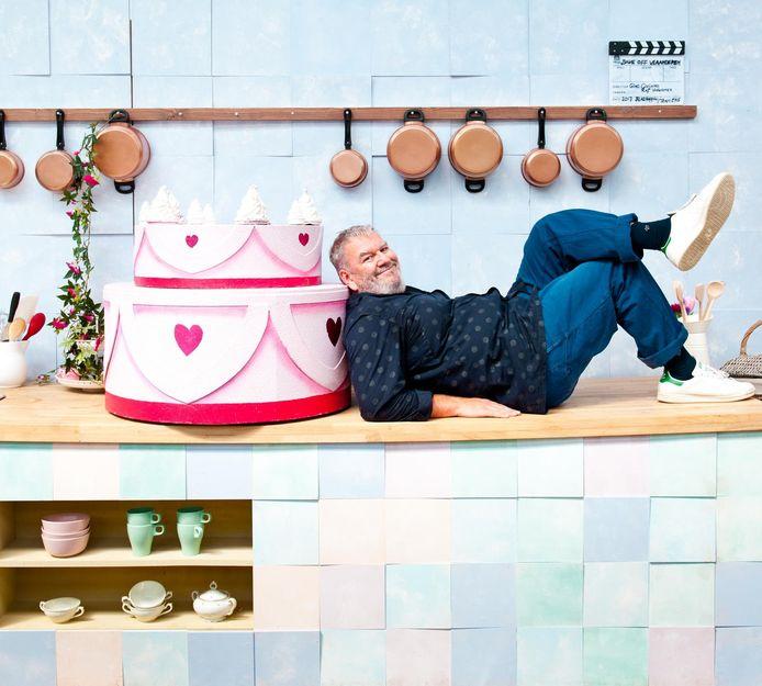 Wim Opbrouck is sinds een aantal jaren presentator van het programma Bake Off Vlaanderen.