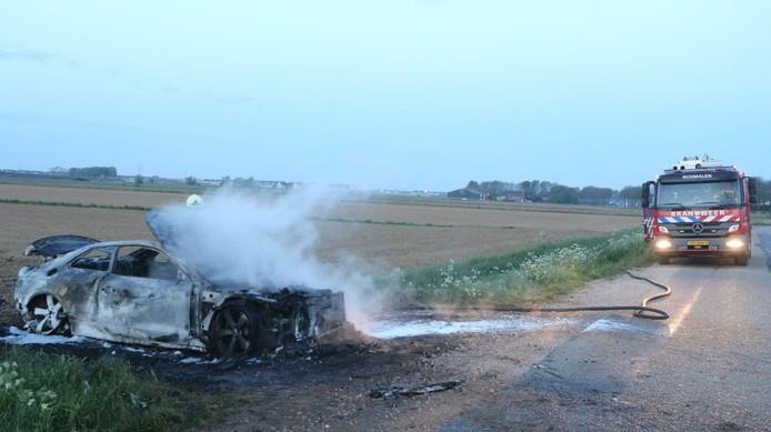 De uitgebrande auto