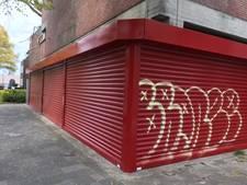 Opgeknapte gevel Oss alweer besmeurd met graffiti: 'Kunnen mensen dan nergens van afblijven?'