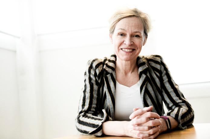 Anka Mulder. voorzitter van de Raad van Bestuur van Saxion, waarschuwt voor de gevolgen van de bevolkingskrimp. Dat gaat Saxion banen kosten.