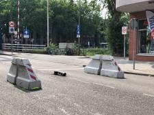 Klappaaltje Van Berckelstraat bezwijkt binnen een week onder de druk, gemeente kan (weer) aan de slag
