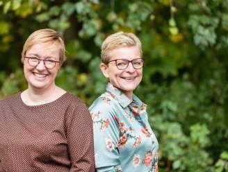 """Dominieke (48) en Anja (50) schrijven praktische gids 'Mooi Geregeld': """"Sterven doet iedereen, maar een goede voorbereiding kan jou onrust en je nabestaanden bijkomend leed, onzekerheid of ruzie besparen"""""""