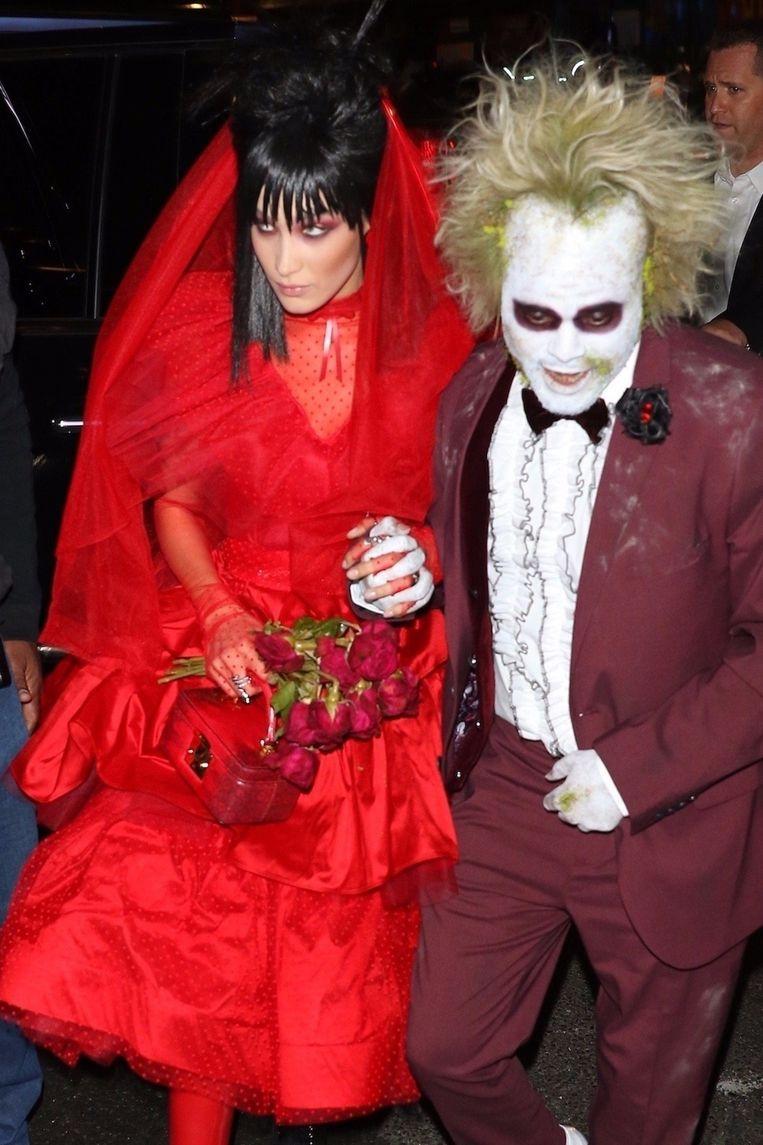 Bella Hadid and The Weeknd tonen zich van hun engste kant op het Halloween-feestje van Heidi Klum.