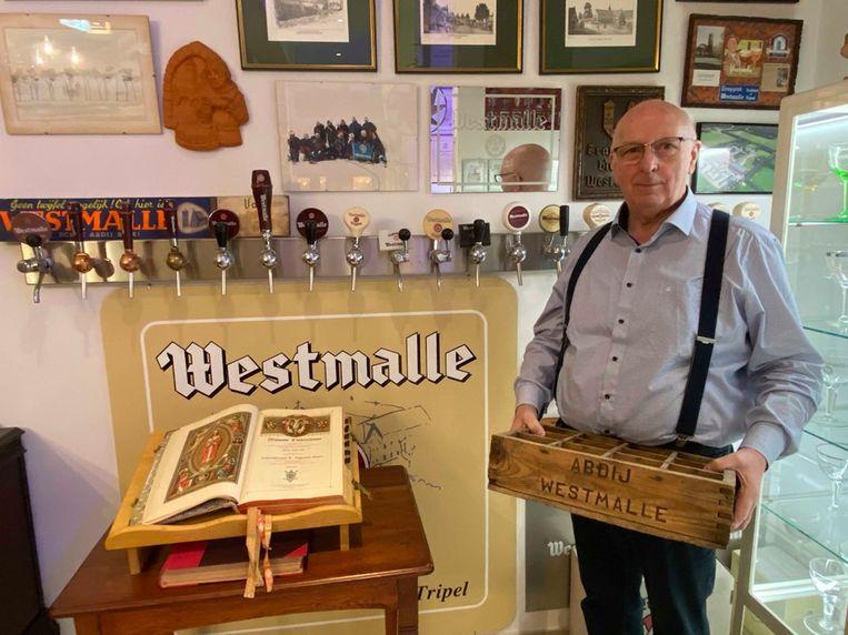 Leo Truyen (73) uit Lier verzamelt als gepensioneerd bierverdeler al vijftig jaar lang attributen rond de Trappist en Abdij van Westmalle.
